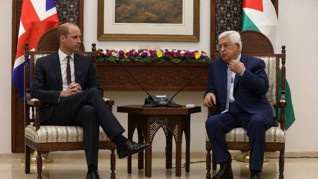 Pangeran William dan Presiden Palestina Mahmoud Abbas